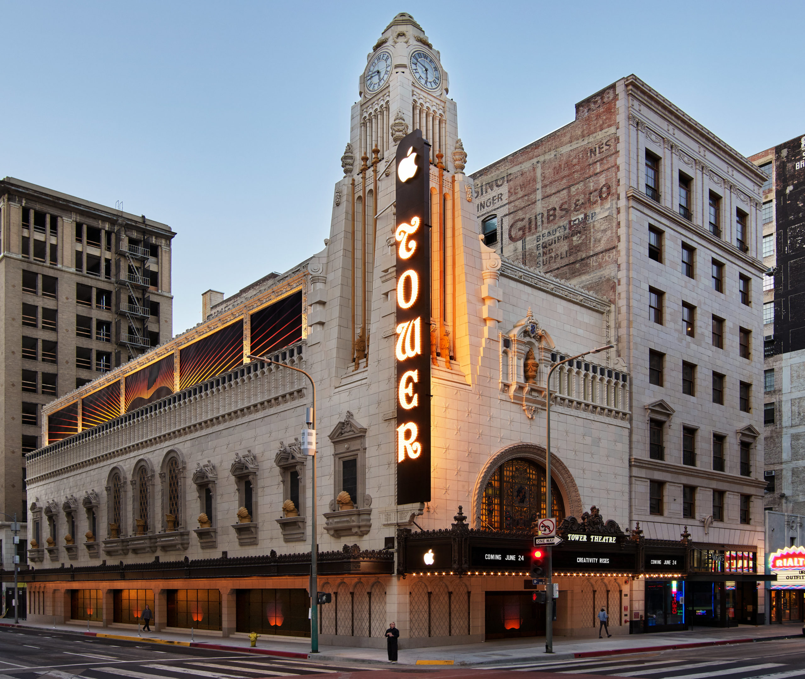 Apple Tower Theatre, Downtown LA's First Apple Store, To Open This ...